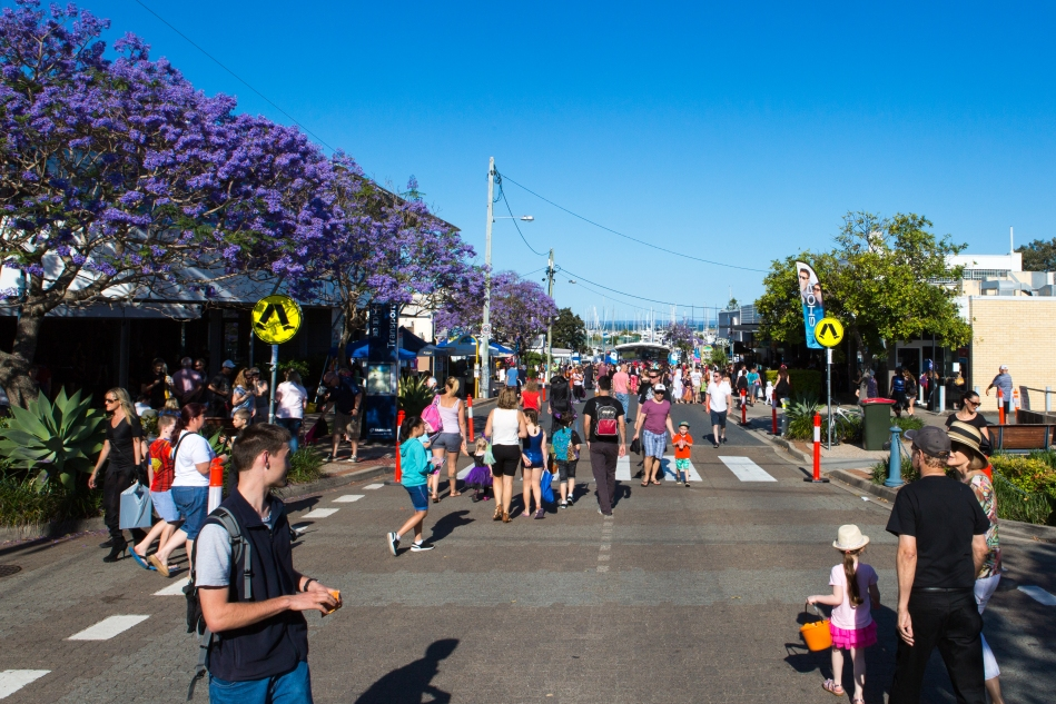 The crowds starting to appear for the Halloween street party hosted by the Town of Manly. Brilliant idea.