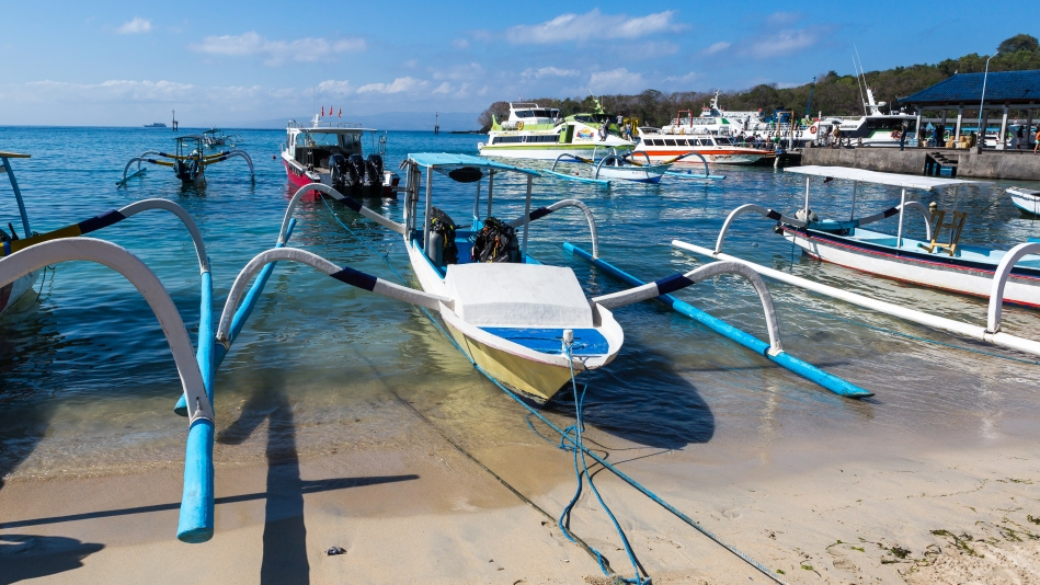 Padang Bay Dive Boat